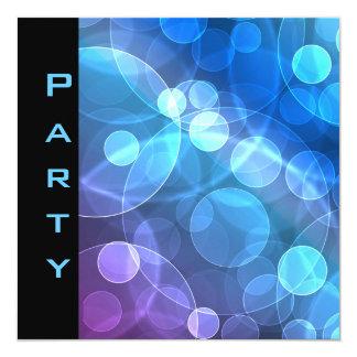Party Einladung versieht schwarze blaue Blasen mit