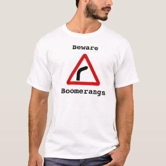 Passen Sie - Bumerangs auf T-Shirt