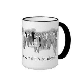 Passen Sie das Alpacalypse - lustiger Nerd-blöden Ringer Tasse