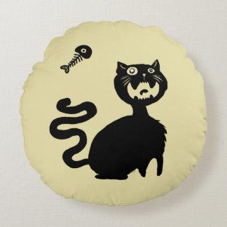 Passen Sie hungrige Katzen auf! Rundes Kissen