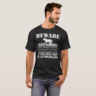 Passen Sie mich reiten Pferdegeschenk-T-Stück auf T-Shirt