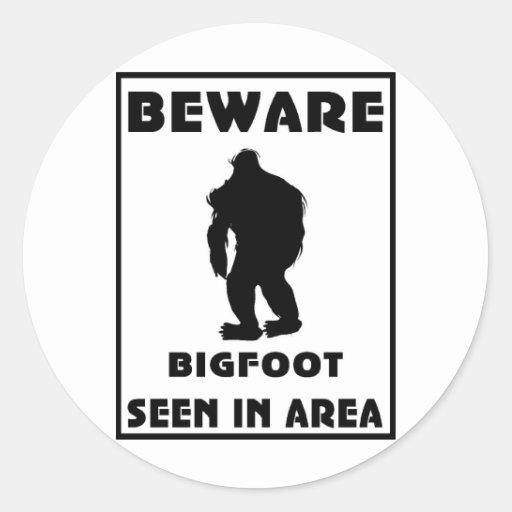 Passen Sie von Bigfoot-Plakat auf Runder Aufkleber