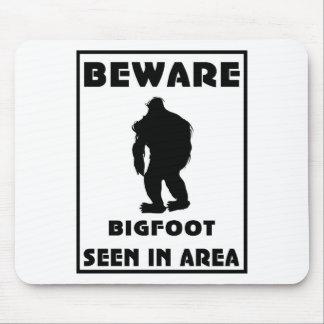 Passen Sie von Bigfoot-Plakat auf Mauspads