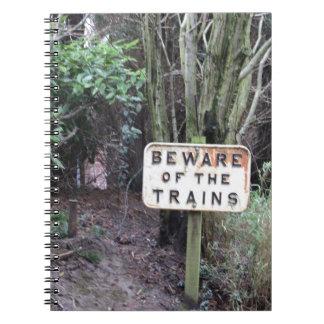 Passen Sie von den Zügen auf! - Strecke Notizblock