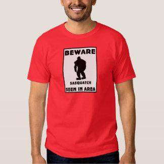 Passen Sie von Sasquatch Plakat auf Tshirts
