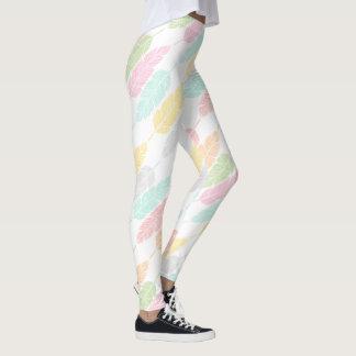 Pastell versieht Gamaschen mit Federn Leggings