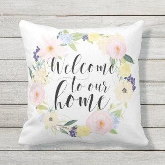 Pastellfrühlingblumenwreath-Willkommen zu unserem Kissen