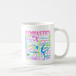 Pastellgymnastik fasst Typografie ab Kaffeetasse