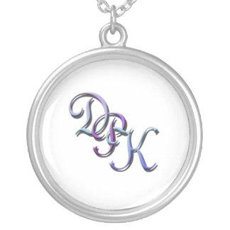 Pastellhalskette der initialen-DPK Amulett
