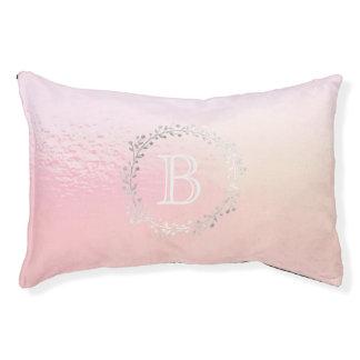 Pastellrosa-Silber-Kranz-Monogramm-Prinzessin Haustierbett