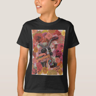 Pedal durch Blumenblätter T-Shirt