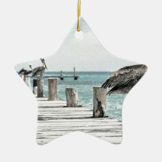 Pelikan auf Pier Keramik Stern-Ornament