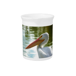 Pelikan aufgeworfen krug