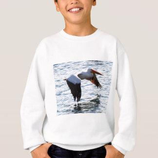 Pelikan im Flug Sweatshirt