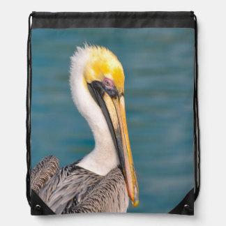 Pelikan-Porträt nah oben mit Ozean im Hintergrund Turnbeutel