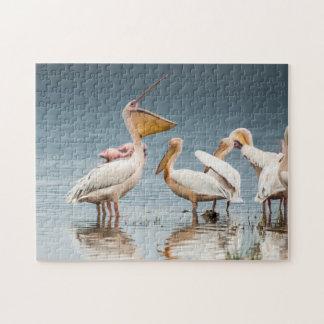 Pelikane durch das See-Puzzlespiel Puzzle