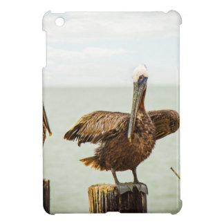 Pelikane gehockt auf Posten iPad Mini Hülle