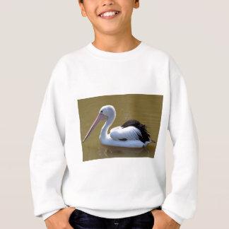 Pelikanschwimmen auf Fluss Sweatshirt