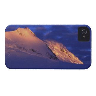Peltier-Kanal, die Antarktis: Sunlit Berge iPhone 4 Hüllen