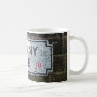 Penny-Weg-Straßenschild Kaffeetasse