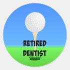 Pensionierter Zahnarzt - Golfball auf T-Stück Runder Aufkleber