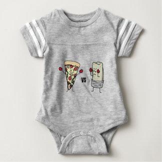 Pepperoni-Pizza GEGEN Burrito: Mexikaner gegen Baby Strampler