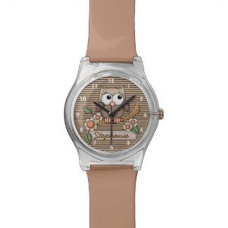 Personalisierte Brown-Eulen-Uhr Uhren