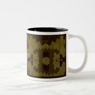 Personalisierte dunkle Camouflage-Tasse