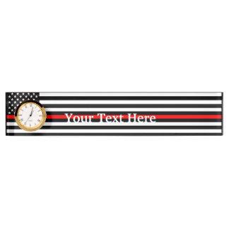 Personalisierte dünne rote Linie amerikanische Namensplakette