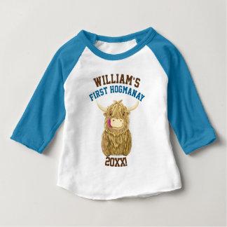 Personalisierte Hochland-Kuh erstes Hogmanay Baby T-shirt