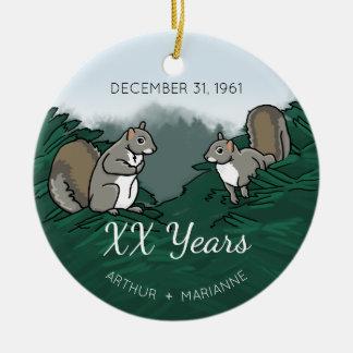 Personalisierte Hochzeits-Jahrestags-Eichhörnchen Keramik Ornament