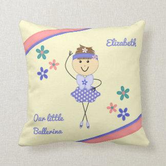 Personalisierte lila Namensballerina Kissen