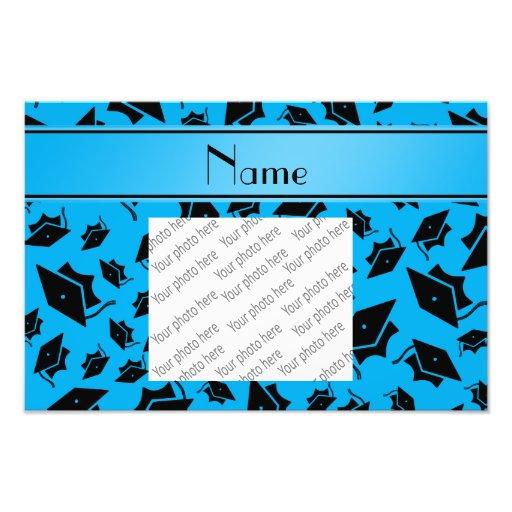 Personalisierte Namenshimmelblau-Abschlusskappe Photographischer Druck