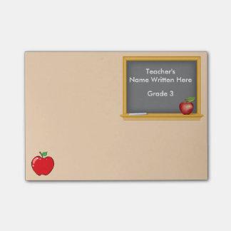 Personalisierte Post-Itanmerkungen - Tafel und Post-it Klebezettel