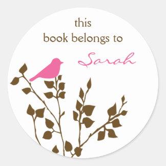 Personalisierte rosa Vogel-Buch-Aufkleber Browns Runder Aufkleber