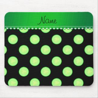 Personalisierte schwarze grüne Gurkennamensscheibe Mousepads