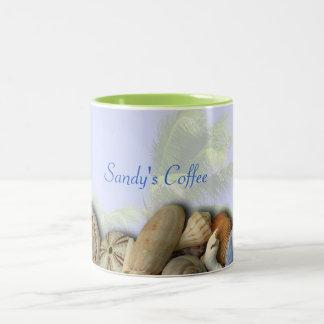 Personalisierte Strand-Muscheln, Zweifarbige Tasse