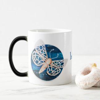 Personalisierte verwandelnde Tasse mit Nachtmotten