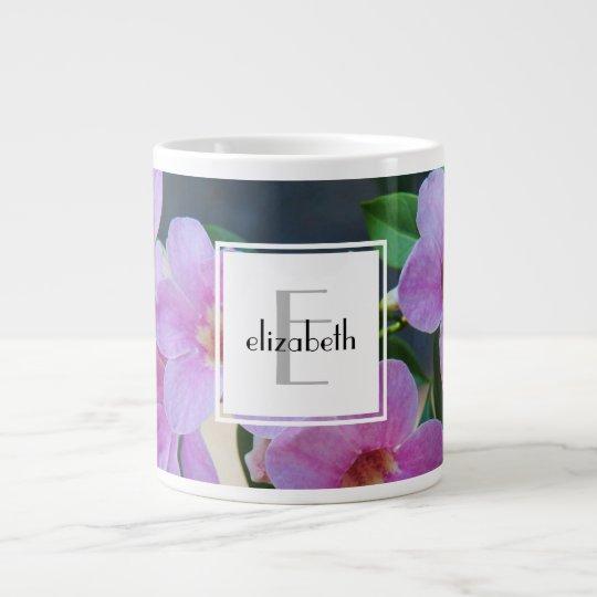 Personalisierter Blumenname/Initiale der winden w Jumbo-Tasse