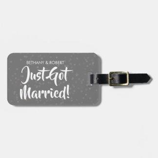 Personalisierter gerade erhaltener verheirateter kofferanhänger
