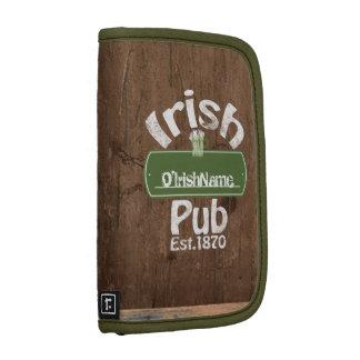 Personalisierter irischer Pub-altes Folio Planer