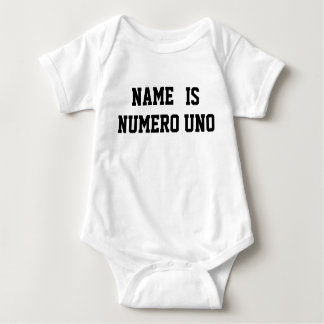 Personalisierter Name ist Numero UNO Baby Strampler