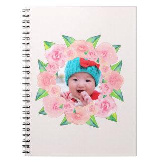 Personalisierter rosa WatercolorblumenWreath Spiral Notizblock