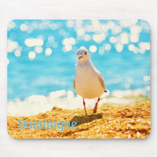 Personalisiertes blaues Meer mit einer Seemöwe auf Mousepad