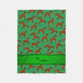 Personalisiertes grünes Boxerhundenamensmuster Fleecedecke