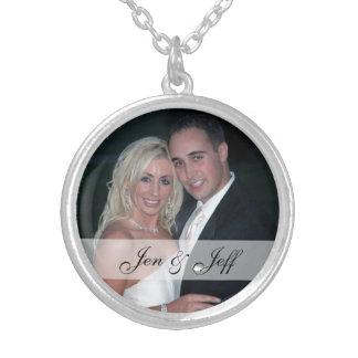Personalisiertes Hochzeits-Foto-Silber überzogene Halskette Mit Rundem Anhänger
