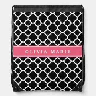 Personalisiertes rosa schwarzes Quatrefoil Muster Sportbeutel