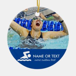 Personalisiertes Schwimmen-Foto-Weihnachten Rundes Keramik Ornament
