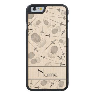 Personalisiertes weißes fechtendes Namensmuster Carved® iPhone 6 Hülle Ahorn