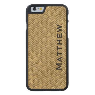 Personifizieren Sie:  GoldenFaux Carved® iPhone 6 Hülle Ahorn